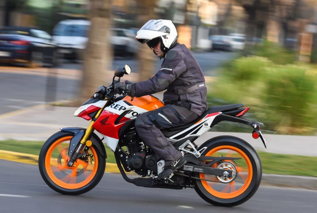 Honda Cb190r Repsol  Una Soberana En La Ciudad  U2013 Altorque